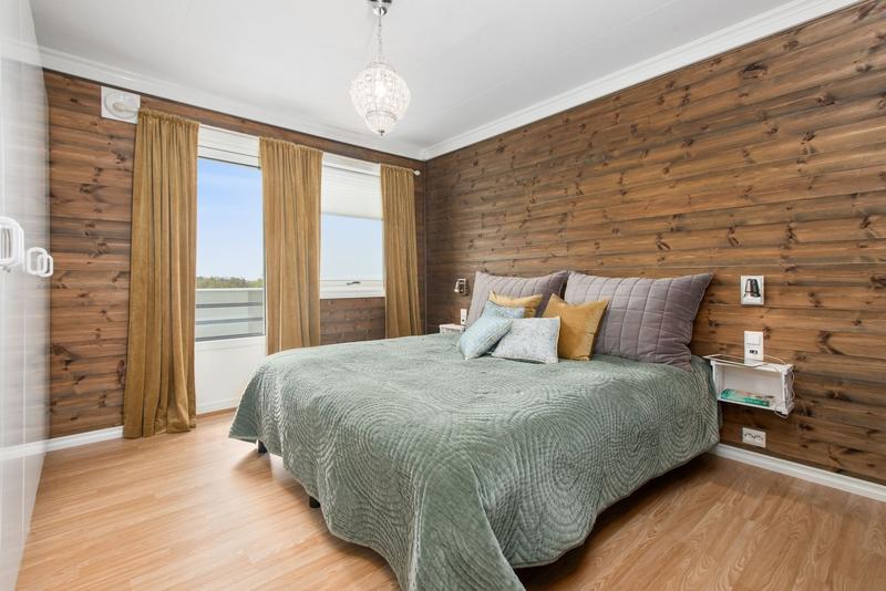 Wooden bedroom furniture ideas